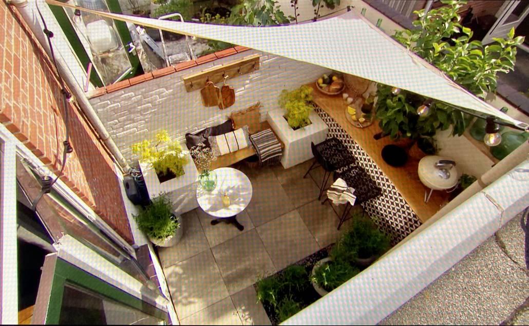 Terras vanaf boven gefilmd in een filmpje van Eigen Huis en Tuin