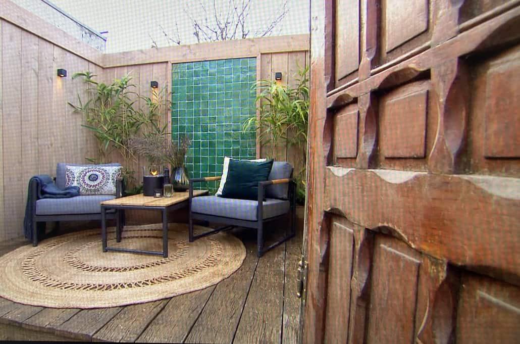 Nieuw aangelegde tuin van achter een deur onthuld in een filmpje van Eigen Huis en Tuin