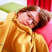 Ik was heel ziek en lag onder een dekentje op de bank alle afleveringen van Eigen Huis en Tuin te kijken.
